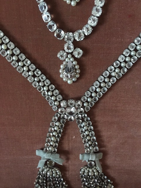 Le collier dit de la reine Marie-Antoinette (L'affaire du collier de la reine), et ses répliques Fullsi10