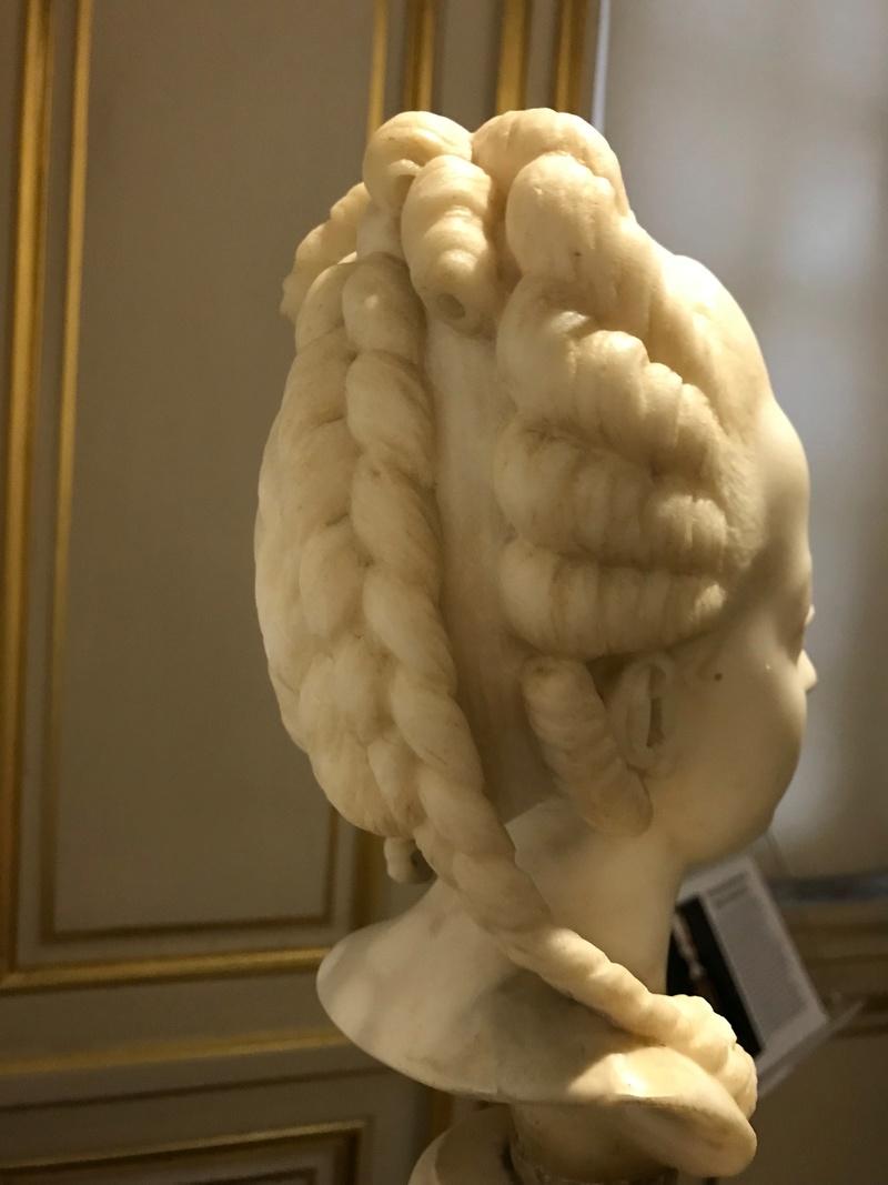 Buste de Marie-Antoinette sur piédestal dynastique, musée Cognacq Jay Img_1017