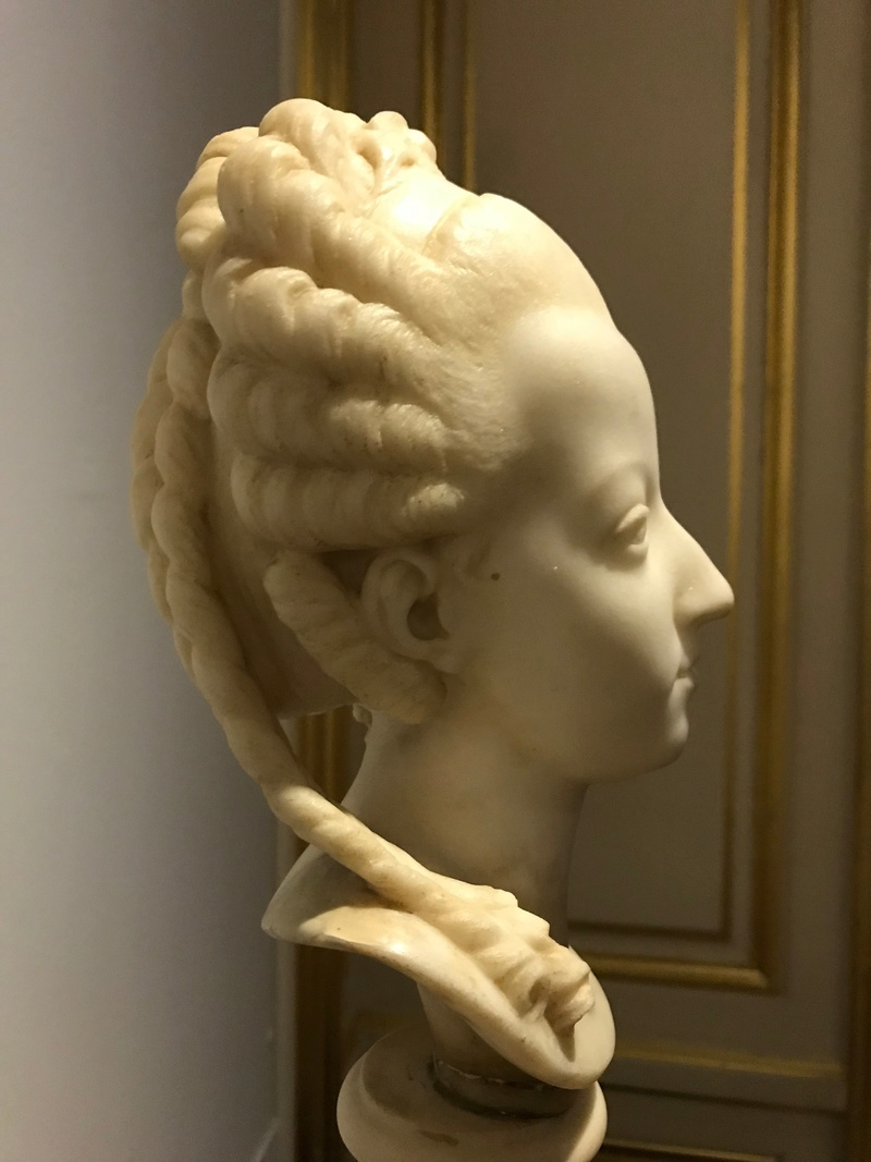 Buste de Marie-Antoinette sur piédestal dynastique, musée Cognacq Jay Img_1018