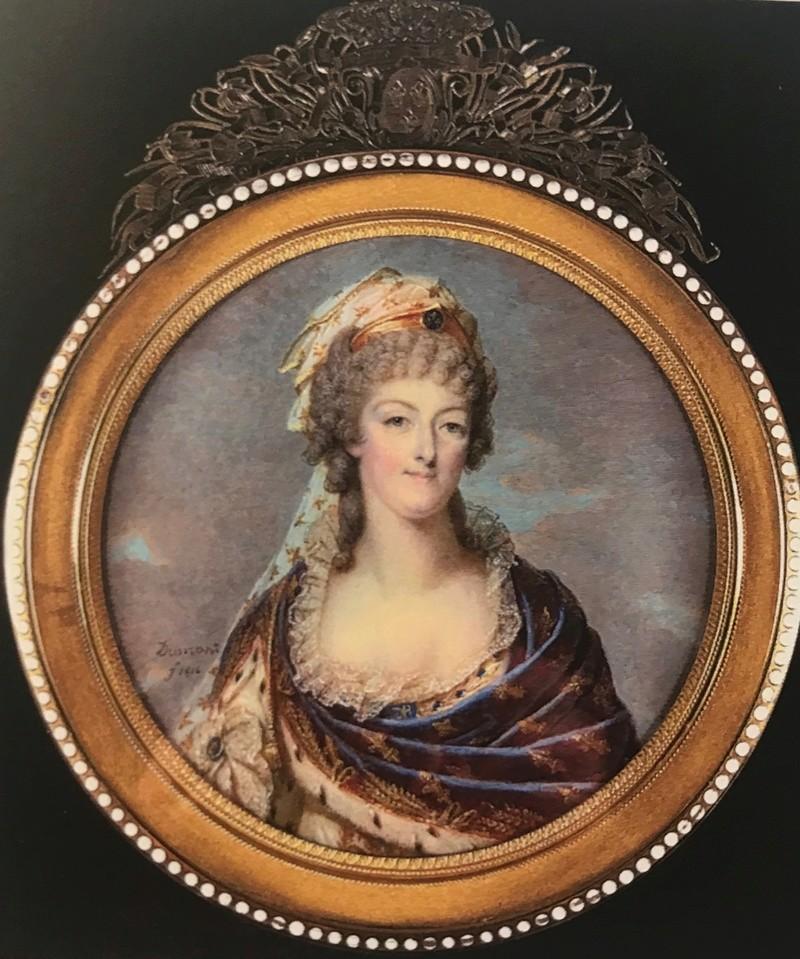Portraits de Marie-Antoinette costumée à l'antique, ou en vestale, par et d'après F. Dumont  Img_5012