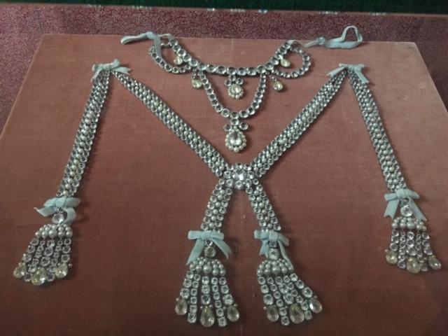 Le collier dit de la reine Marie-Antoinette (L'affaire du collier de la reine), et ses répliques Img_8235