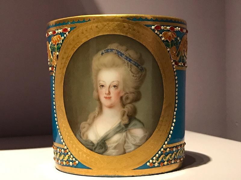 Divers portraits de Marie-Antoinette : miniatures du XVIIIe siècle (dont artistes non attribués) - Page 4 Img_9322