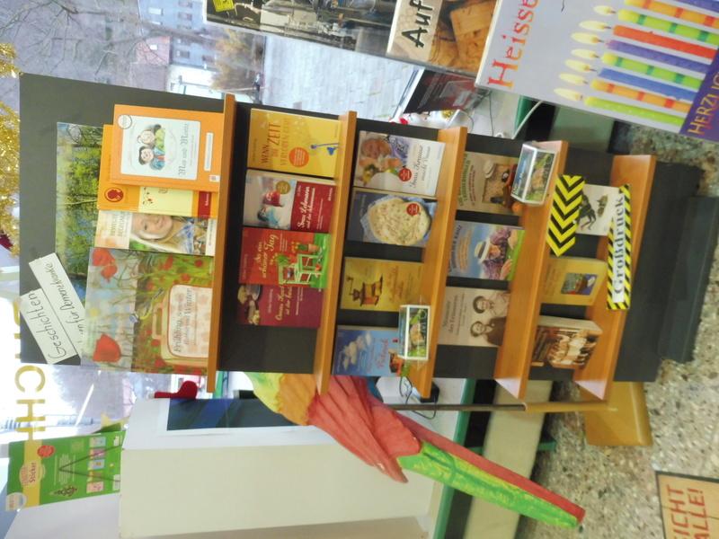 Unsere Buchhandlung ist auf dem Laufenden P1060512