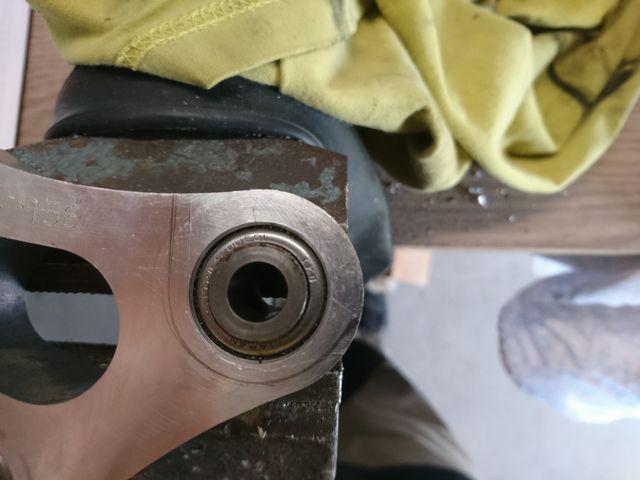 Photos montage amortisseur de GSXR sur GSR750 Dsc_0013