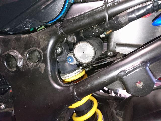 Photos montage amortisseur de GSXR sur GSR750 Dsc_0023
