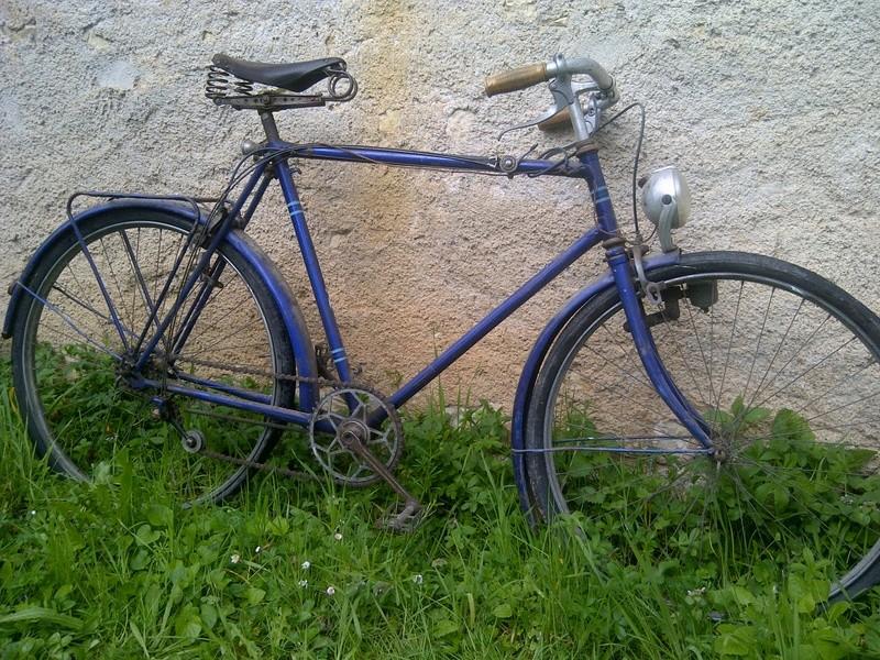 Vieux vélo ville, à dater Img-2023