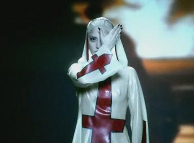 """Lady Gaga: el significado oculto de """"Alejandro"""" Alej3-10"""
