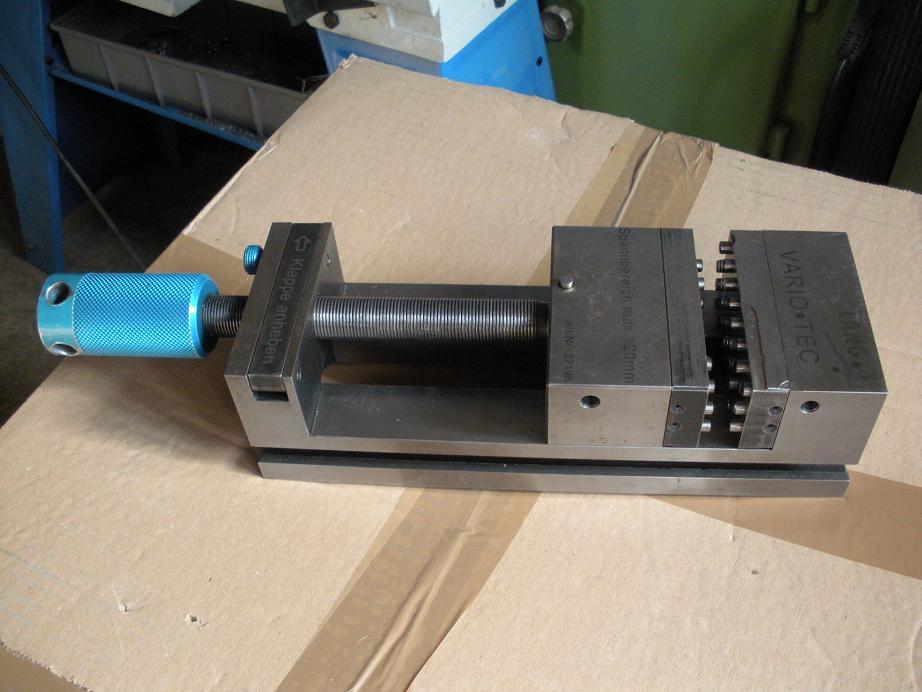 Etau LANG modèle vario-tech Dscn0810
