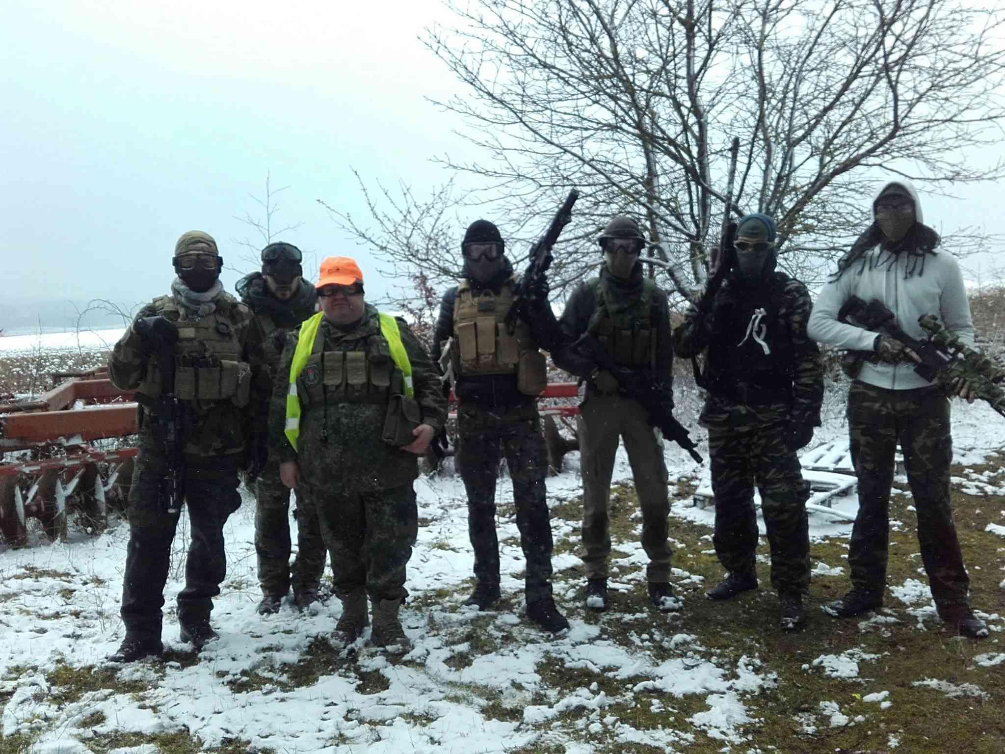 """18 mars a Neuville sur Vanne [Terrain du """"militaire.com""""] Sur113"""