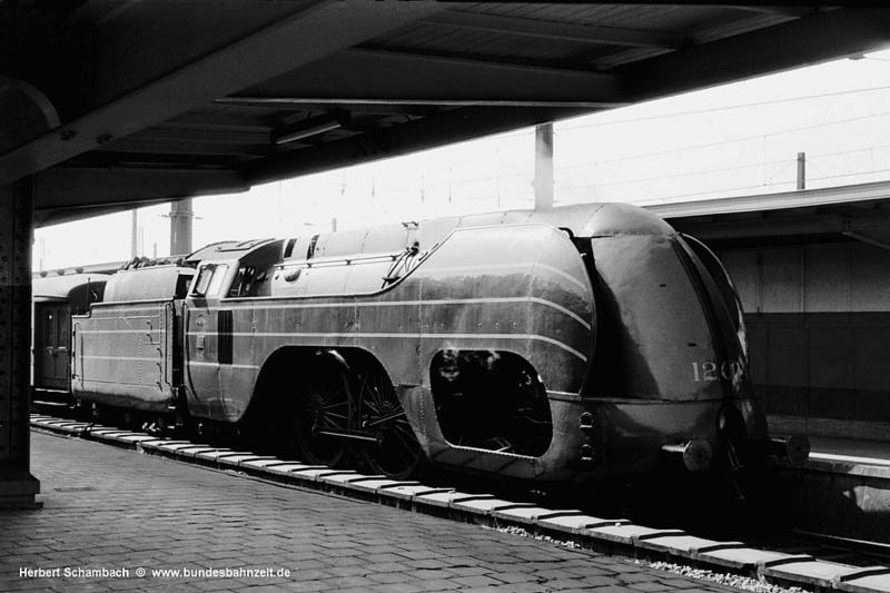 Place du fourgon dans les trains belges Hlv_1210