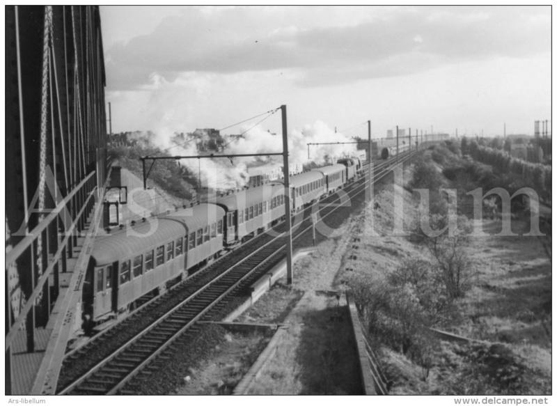 Place du fourgon dans les trains belges Hlv_1_10