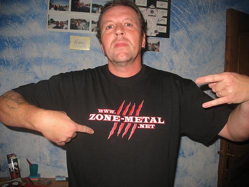 Ils portent les couleurs de ZONE METAL.... 40430510