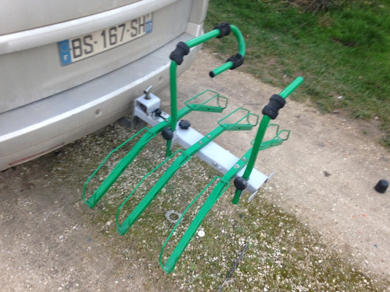 Porte vélo inclinable pour 3 vélos  5f44ad10