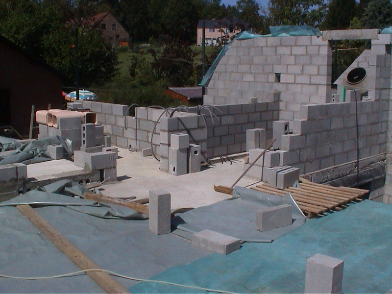 Construction de la maison de mon fils - Page 4 Dsc00014
