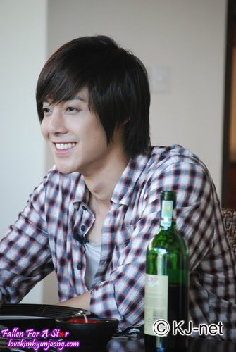 Kim Hyun Joong, from a small Hallyu star growing to a world-renowned artist 9dhn10