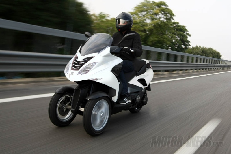 Peugeot 3 roues : présentation confirmée en 2011 Peugeo10