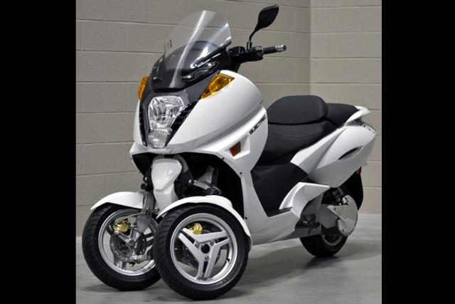 Nouveau Vectrix VX-3 Li+ : le scooter GT électrique se met sur 3 roues en 2012 Vectri10