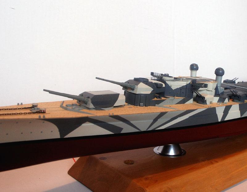Tirpitz Tamiya 1/350 - Page 4 01_byb10
