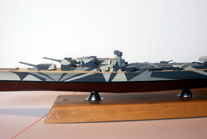 Tirpitz Tamiya 1/350 - Page 4 01_byb11