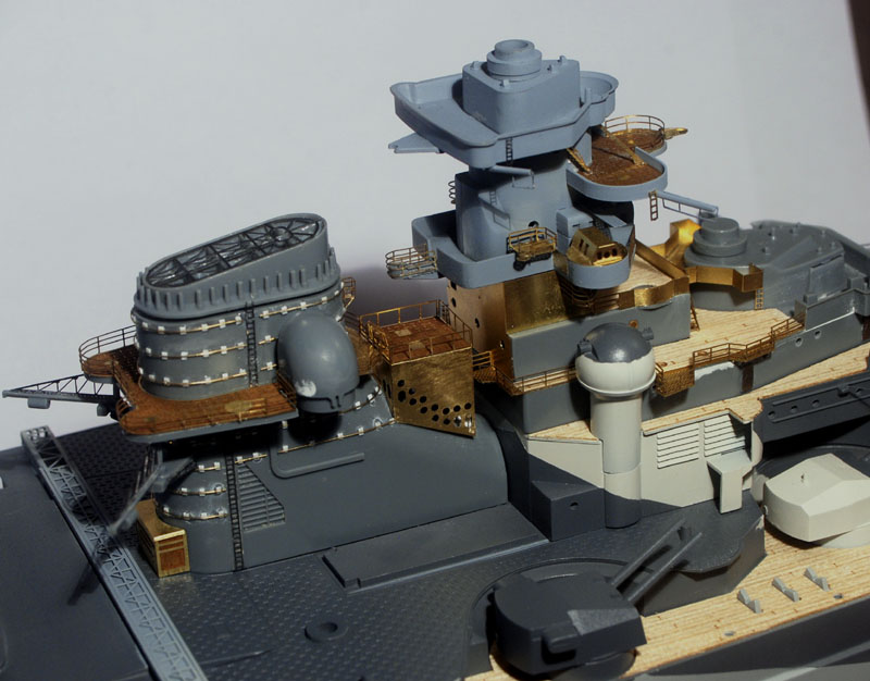 Tirpitz Tamiya 1/350 - Page 6 01_mon11