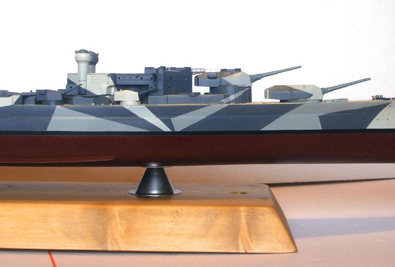 Tirpitz Tamiya 1/350 - Page 4 02_tri10