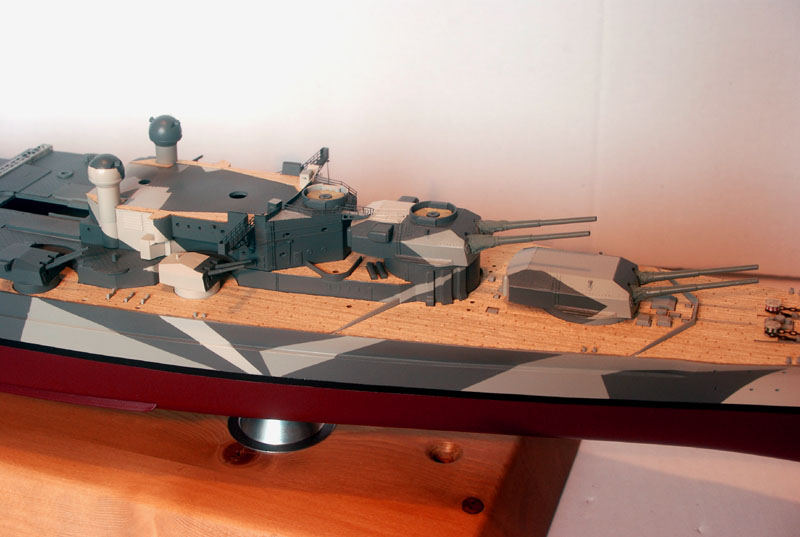 Tirpitz Tamiya 1/350 - Page 4 02_tro11
