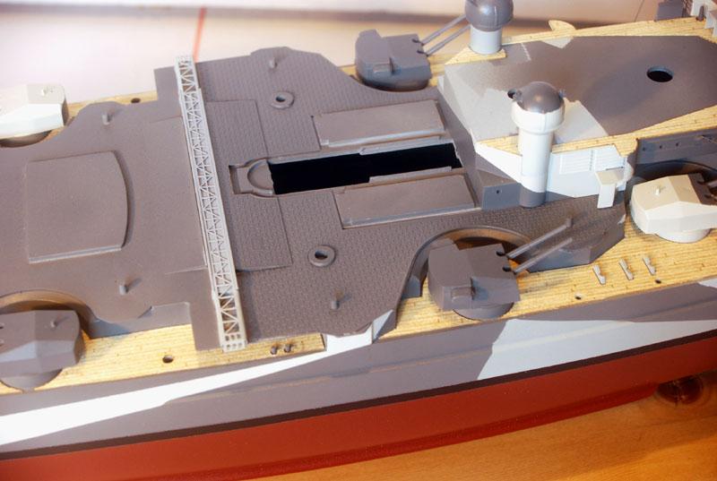 Tirpitz Tamiya 1/350 - Page 4 03_pla10