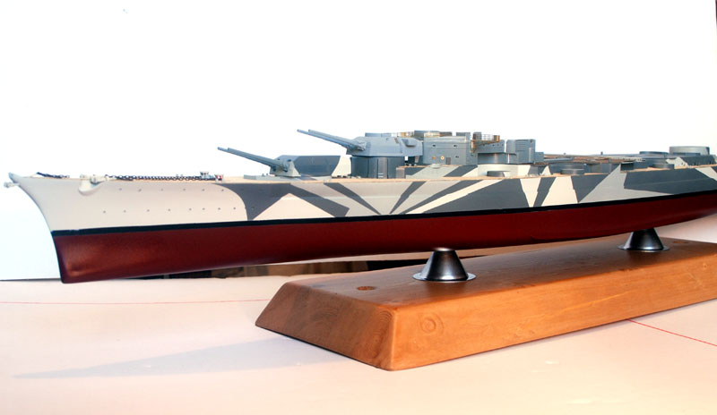 Tirpitz Tamiya 1/350 - Page 3 Sur_so10