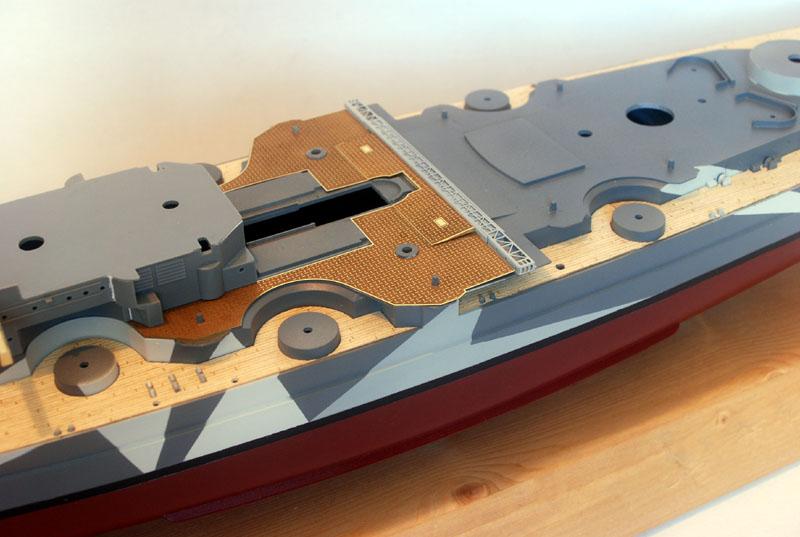 Tirpitz Tamiya 1/350 - Page 3 Sur_so11