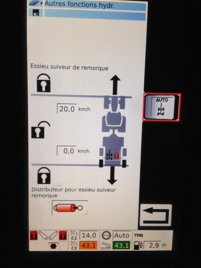 Gestion automatique des essieux suiveurs par le tracteur Img_5322