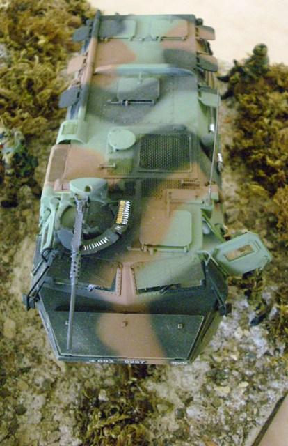 Diorama VAB et Hummer  Vab111