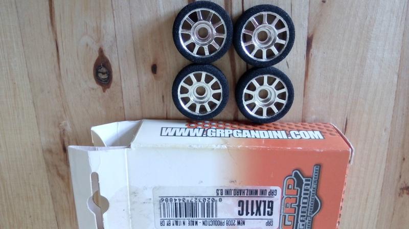 vente carrosserie Yaris, pneu et suspension AR Img_2014