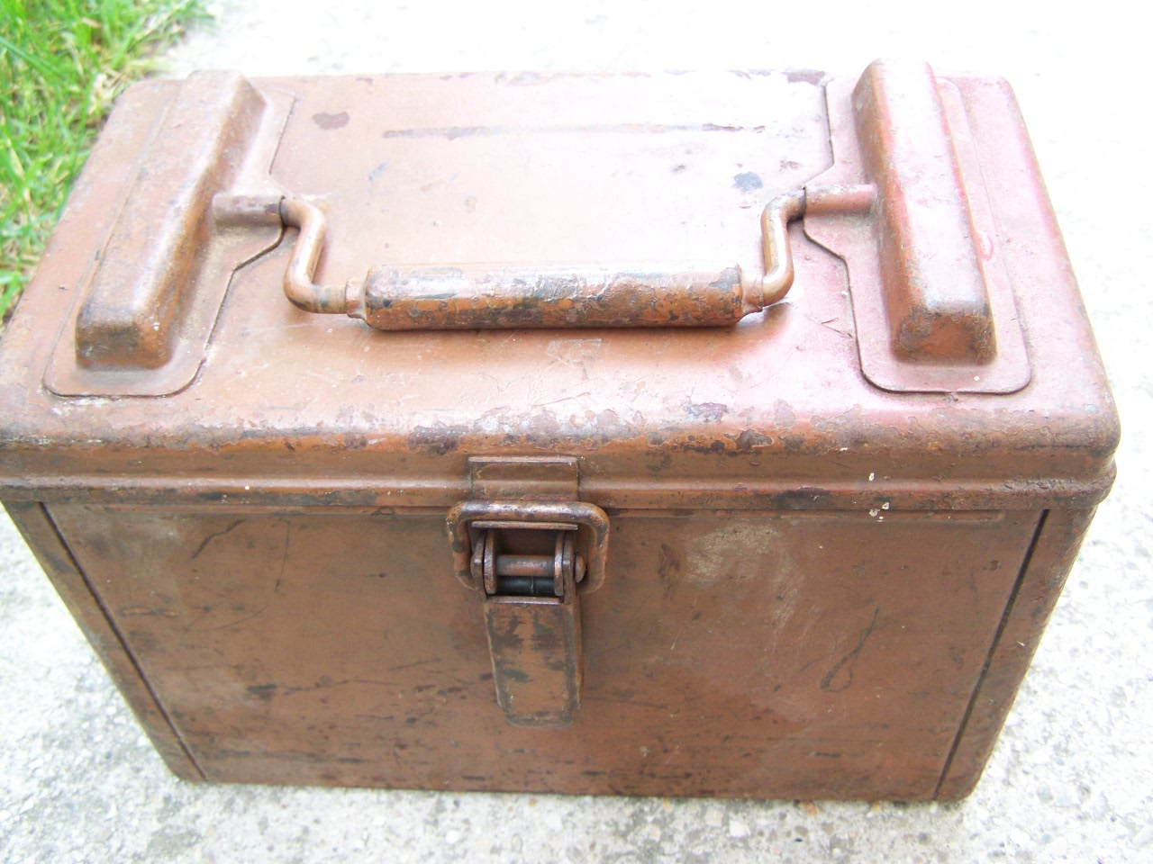 identification d'une caisse métallique 00524
