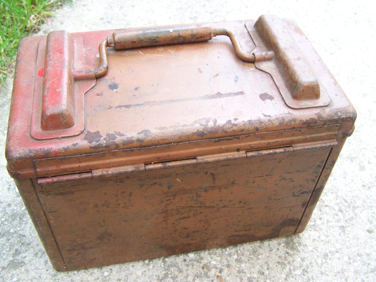 identification d'une caisse métallique 00618