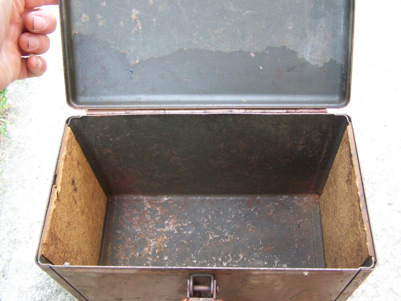 identification d'une caisse métallique 00723