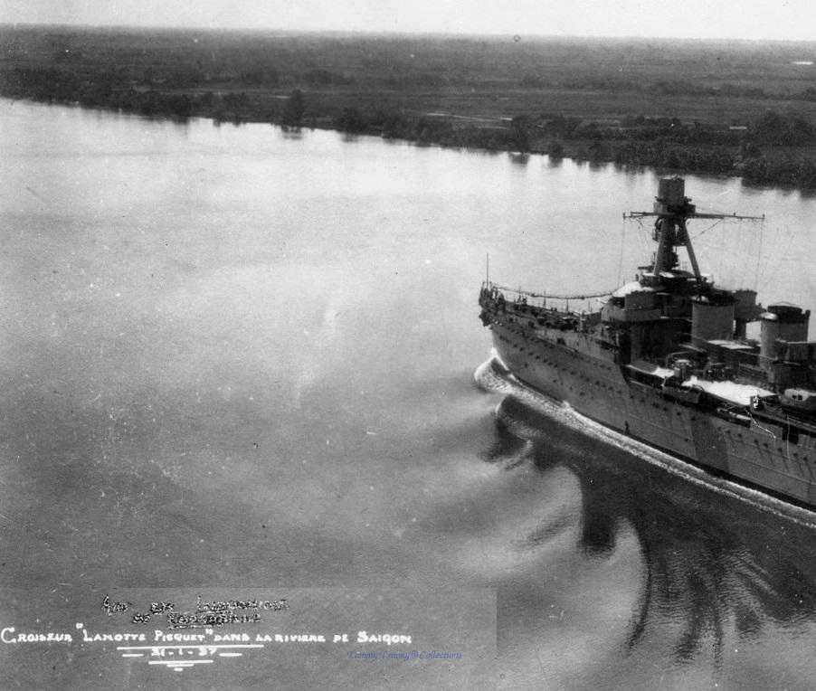 Croiseurs français  - Page 6 54043810