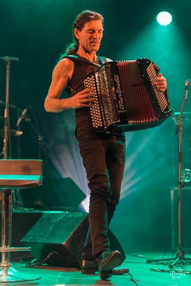 Lalala Napoli en concert au Feu d' Hiver _dsc8937