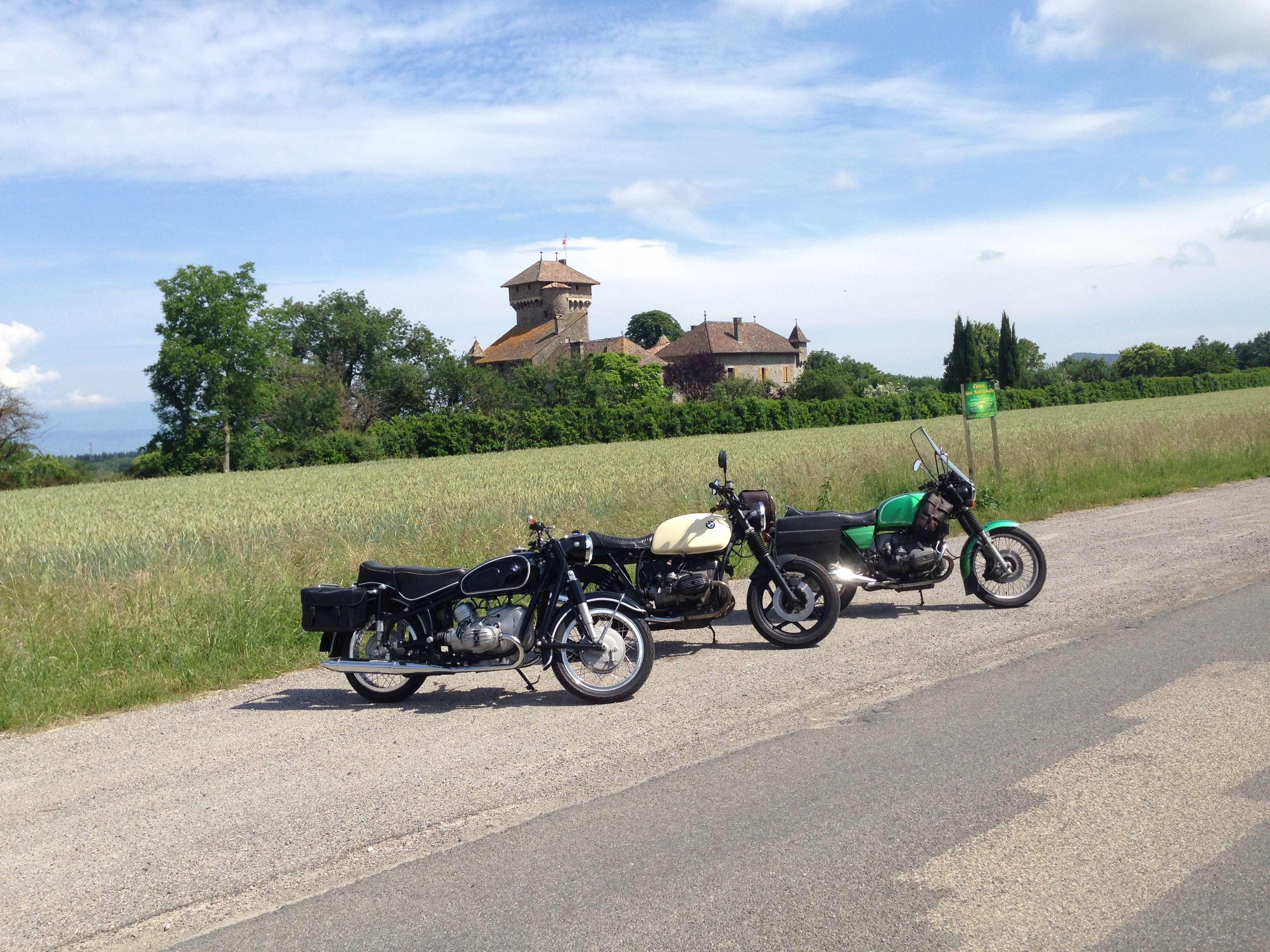 Photos de vous et de votre moto devant ....un château  - Page 16 Img_0511
