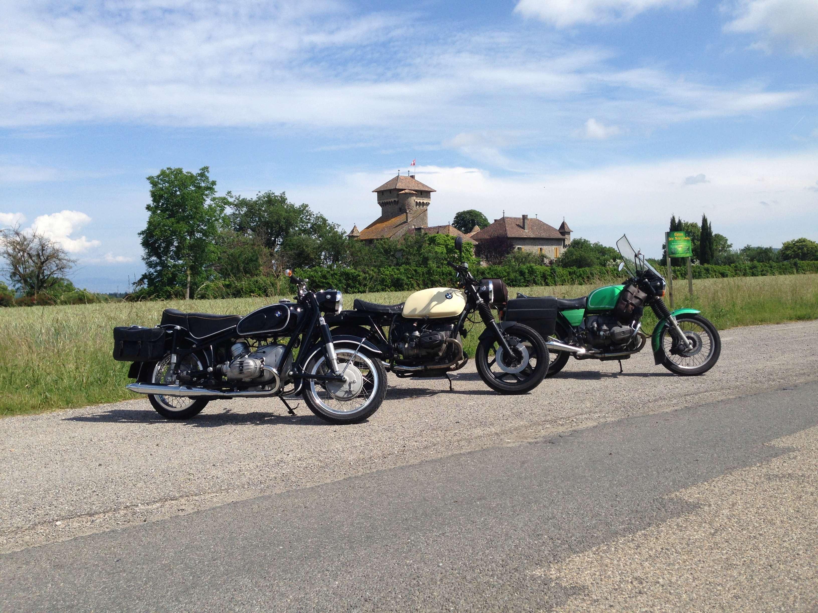 Photos de vous et de votre moto devant ....un château  - Page 16 Img_0512