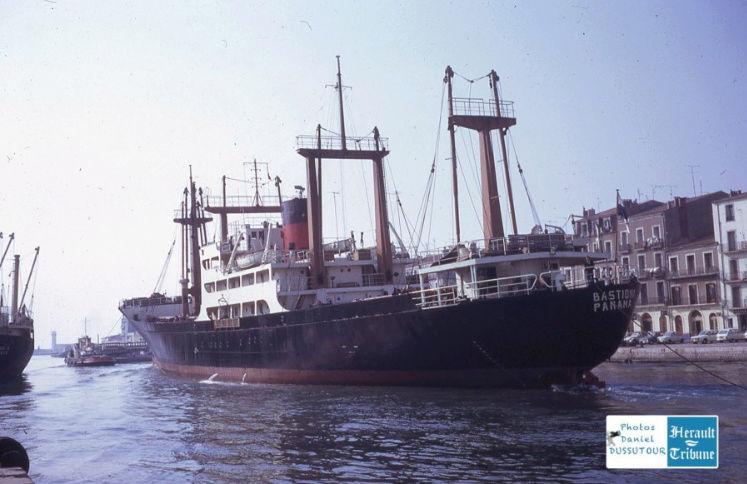 Cargo Notre Dame d'Afrique Captu566