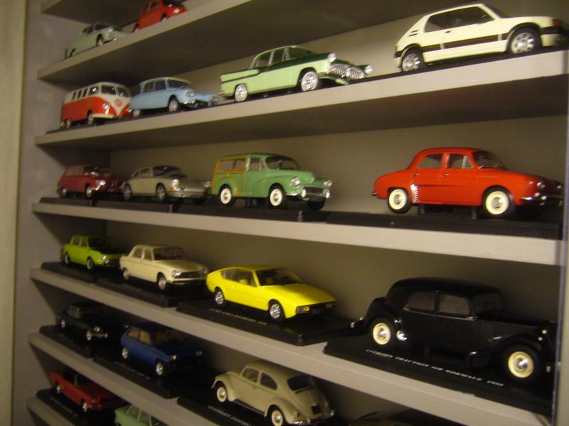 Etagère pour autos miniatures. P1270414