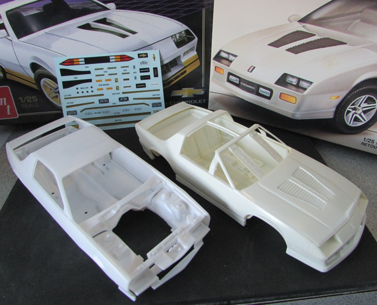 AMT 1983 Camaro Z28 avec un match comparatif!  01515