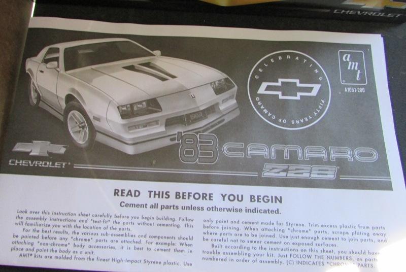 AMT 1983 Camaro Z28 avec un match comparatif!  05211