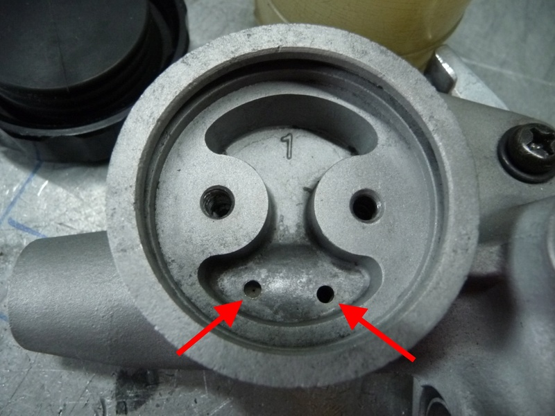RESOLU !! GL1100. Problème maître cylindre de frein avant. P1290425