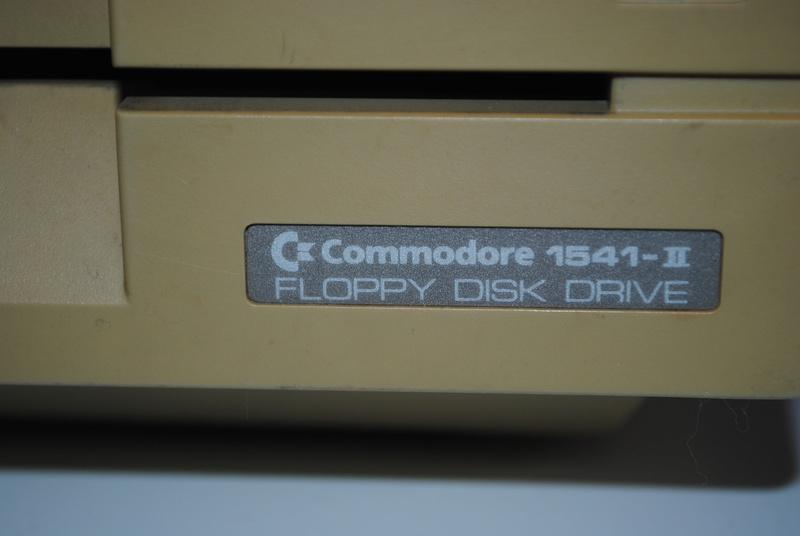 VDS : Divers (Zx81, mini mac, Atari STe, C64, Amiga 500.......) - Page 2 Dsc_0321