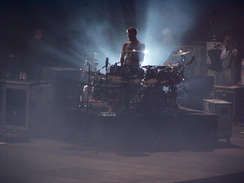 [HURRICANE TOUR] NewCastle -27.11.10 - Page 2 Pb270010