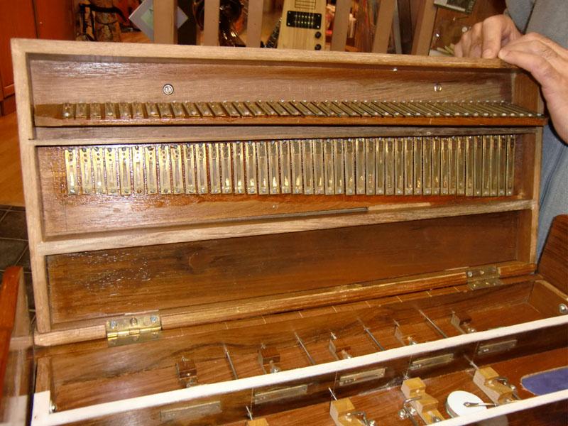 Harmonium indien à notes tenues Harm_i10