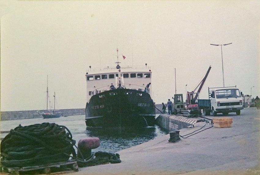 Navires de dessertes ou à passagers, bretons 1983_k14