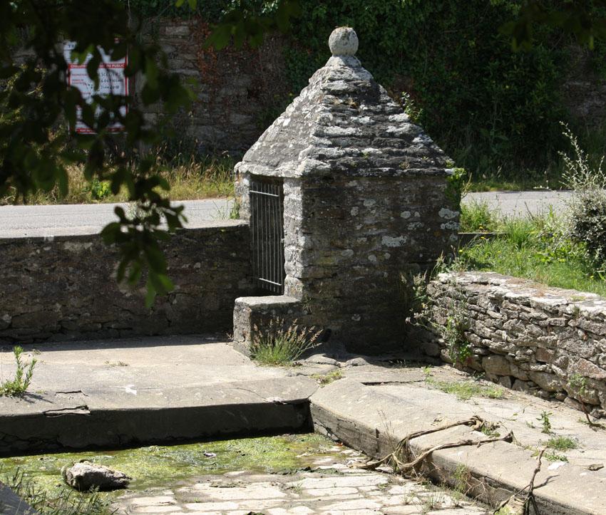 Des lavoirs, fontaines, bassins... Bourg-10