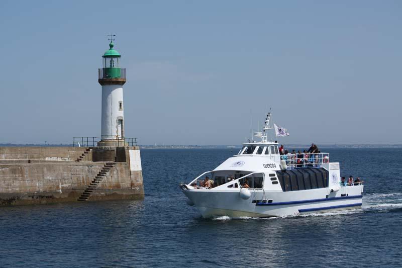 Navires de dessertes ou à passagers, bretons Courri10